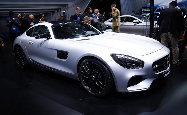 Pariz:MercedesAMGGT