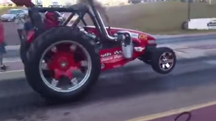 VIDEO: Dizel Twin Turbo trkački traktor