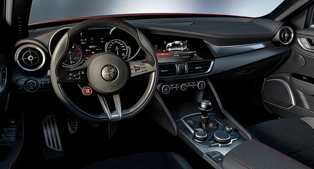 Alfa Romeo Giulia slike enterijera