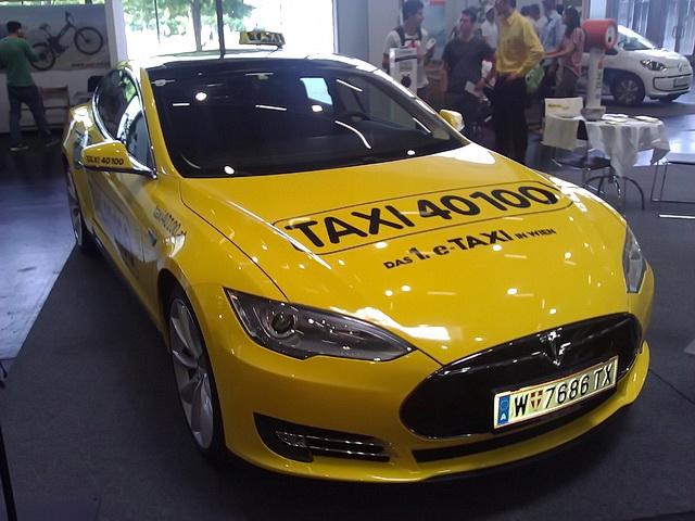 Tesla Model S kao taksi