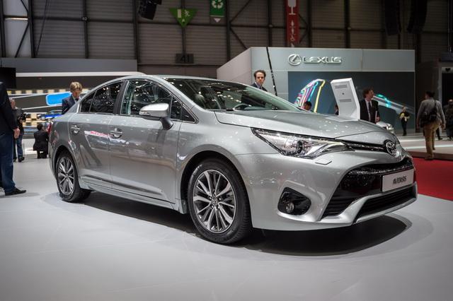 Test: Toyota Avensis [Video]