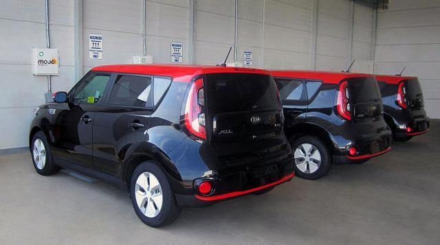 Kia: Uskoro bežični punjači za električna vozila