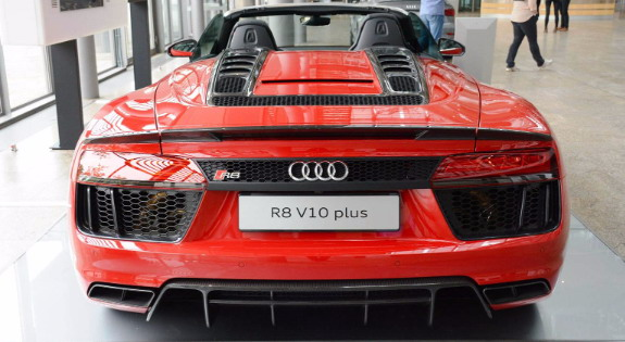 Audi-R8-Spyder-V10-3