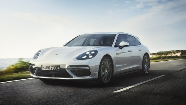Porsche-Panamera-Turbo-S-Hybrid-1