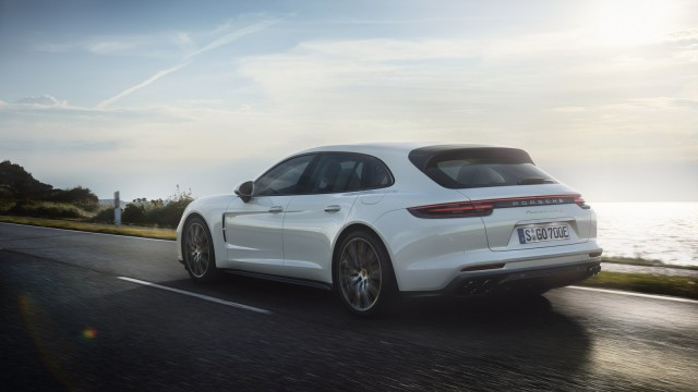 Porsche-Panamera-Turbo-S-Hybrid-2