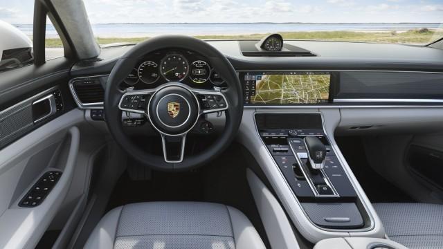 Porsche-Panamera-Turbo-S-Hybrid-3
