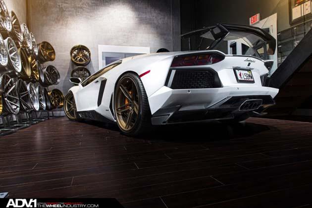 Lamborghini-Aventador-ADV05-CS-Series-Wheels-2
