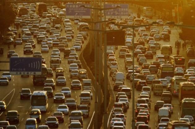 kinezi-godisnje-izgube-9-dana-u-saobracajnim-guzvama