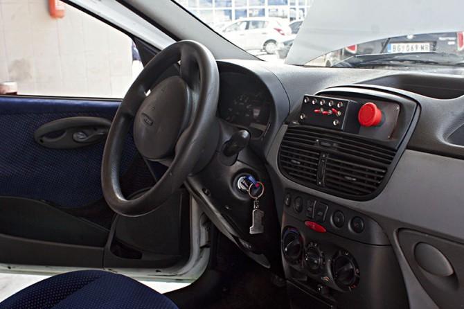 srpski elektricni-automobil 5