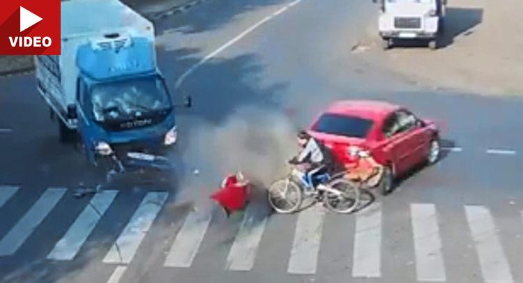 Gledatenasvojuodgovornost:Biciklistakojiizbegavasmrtdvaputausekunde