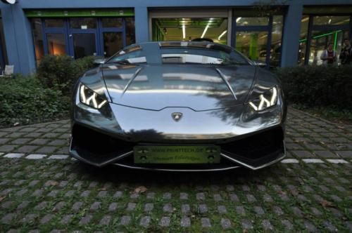 Lamborghini Huracan u sjajno crnoj hromiranoj verziji