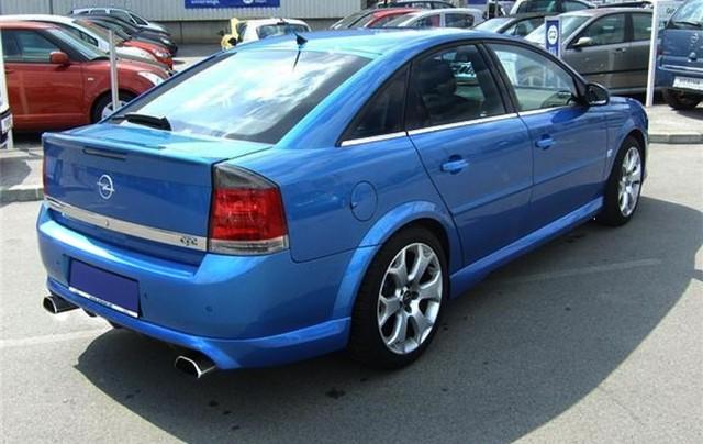 1024px-Opel_vectra_5T_opc