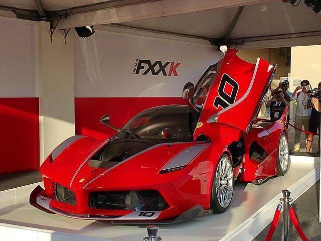 Ferrari FXX K zvuči, izgleda i ide odlično na stazi
