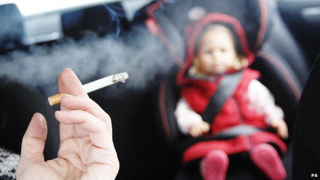 Da li doneti zakon o zabrani pušenja u automobilu?