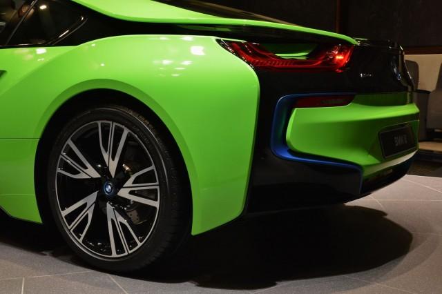 BMW-i8-Lime-Green-10