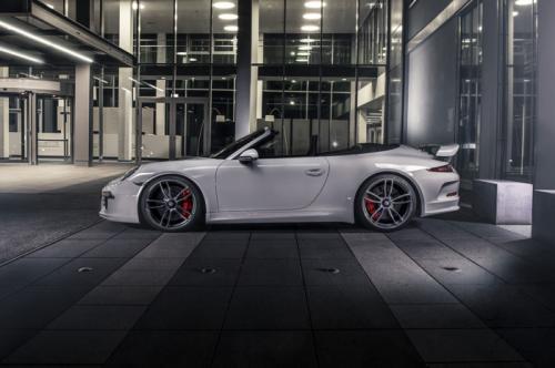Porsche-911-GTS-2