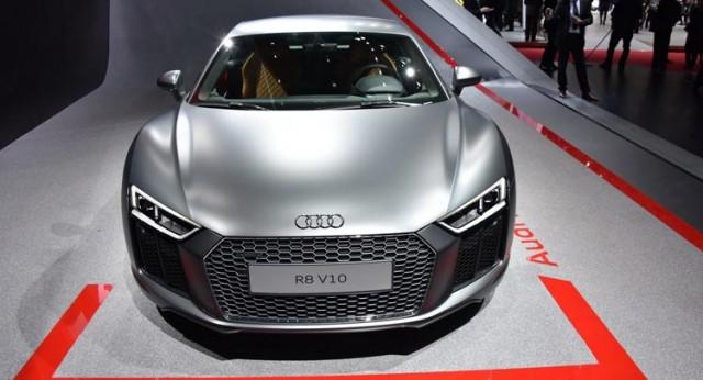2016-Audi-R8-0