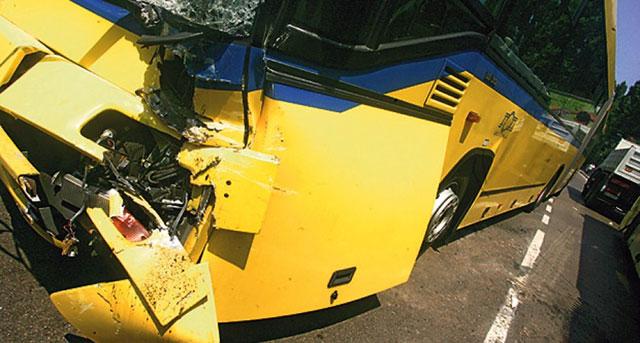 U sudaru na Novom Beogradu petoro putnika autobusa povređeno