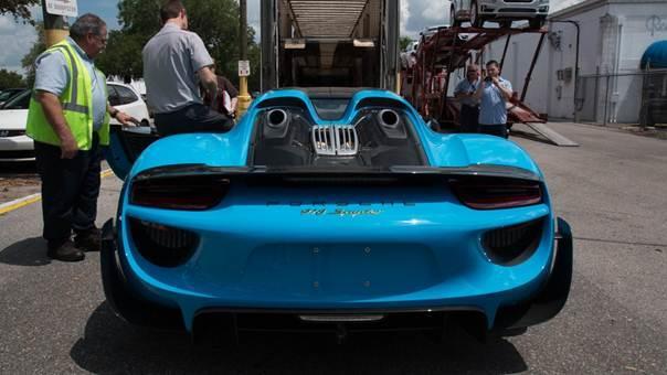 Porsche-918-Spyder-blue-plavi-3