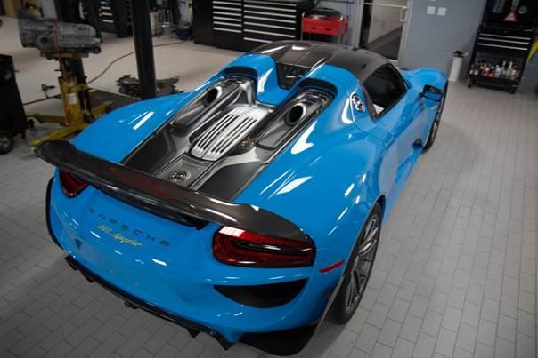 Porsche-918-Spyder-blue-plavi-5