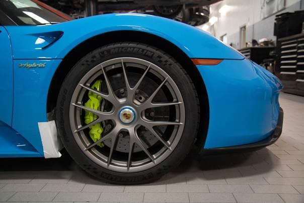 Porsche-918-Spyder-blue-plavi-7