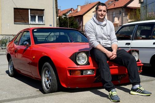 Pronalazaču izgubljenog psa poklanja Porsche