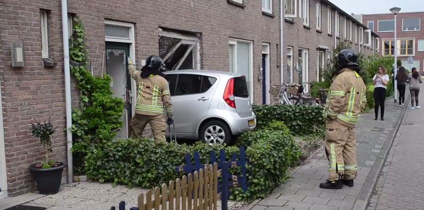 Devojčica uletela komšijama u stan automobilom