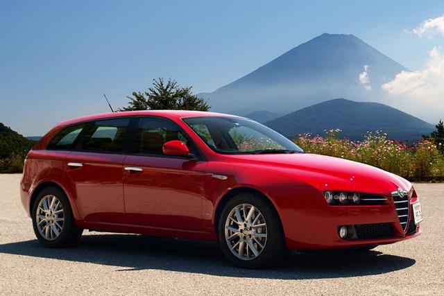 Alfa Romeo Giula i 159 poređenje iz svakog ugla