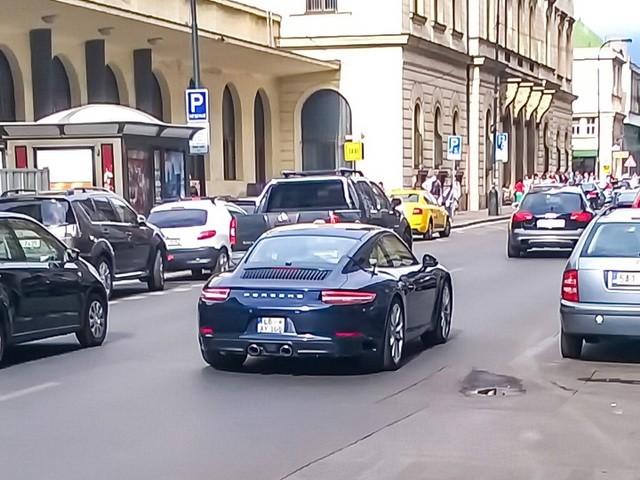 fejsliftovani_porsche_911_u_pragu