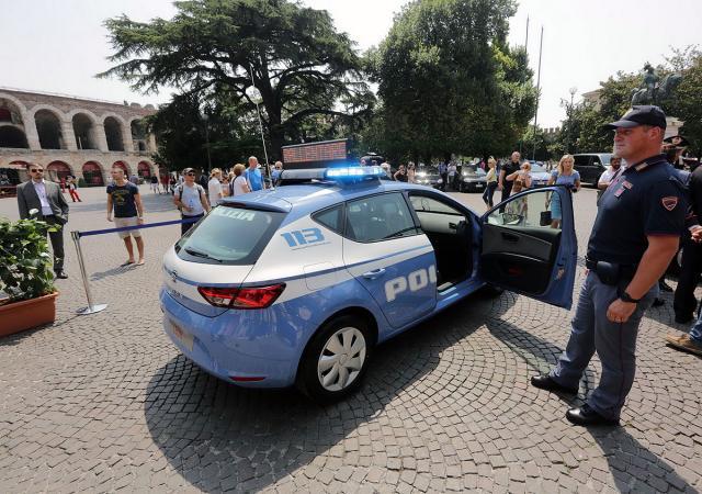 italijanska_policija_prelazi_na_seat_4