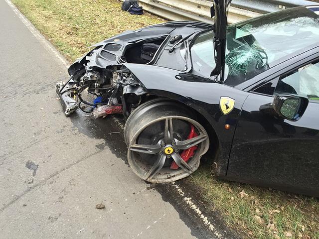 Traži donacije da bi popravo Ferrari