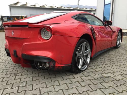 Ferrari-F12-unisten-6