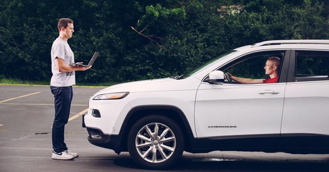Programeri koji su hakovali Jeep Cherokee sada rade za Uber