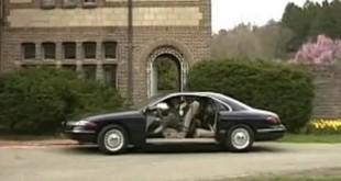 Bolji od Tesle, stari Lincoln ima vrata koja nestaju! [Video]