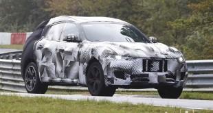 Maserati Levante sa manje kamuflažen spažen tokom testa