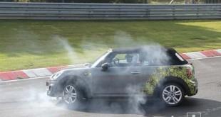 Test vozač izgubio kontrolu nad Mini JCW kabrioletom [Galerija]