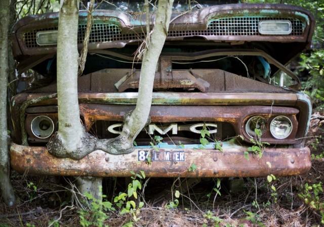 2-Lewis-groblje-automobila-3