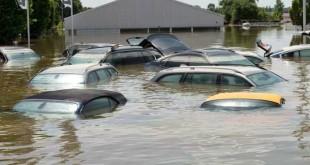 autombili iz polave poplavljen