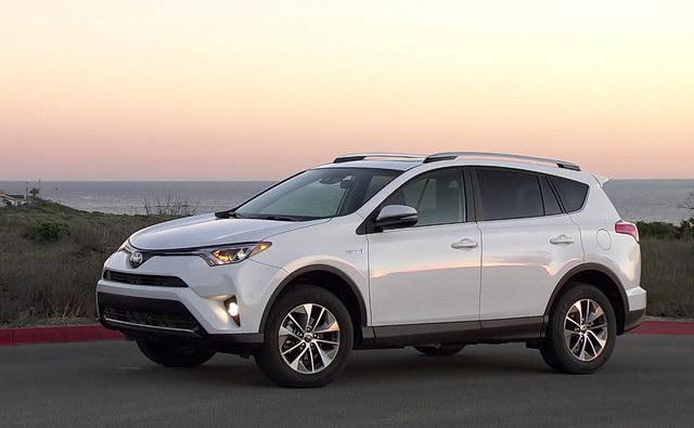 Test: Toyota RAV4 Hybrid 2016