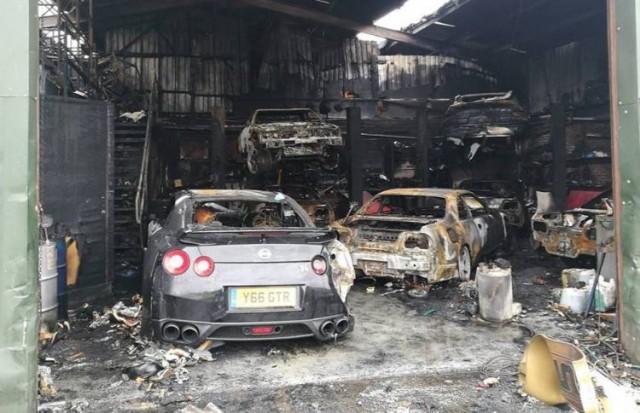 Nissan-GT-R-fire-1