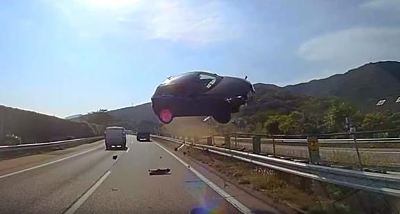 Šok-Japan-bus-crash-1