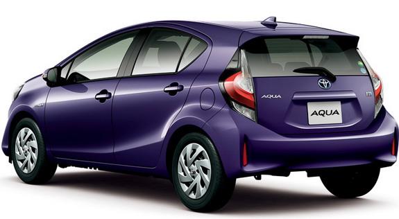 Toyota-Aqua-3