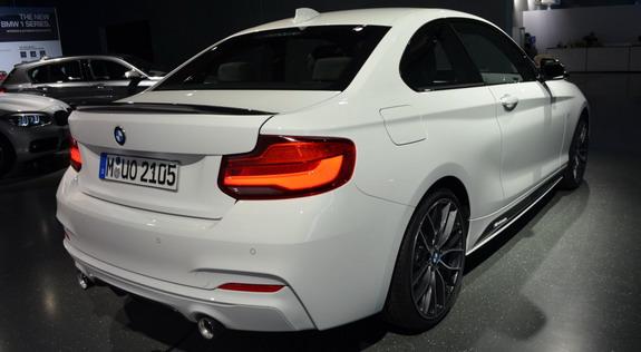 BMW-M240i-M-Performance-3