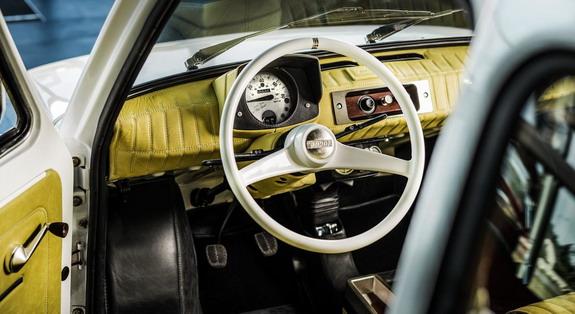 Fiat-126p-Tom-Hanks-3