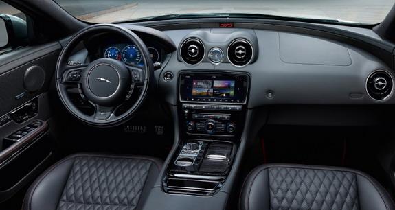 Jaguar-XJR575-3