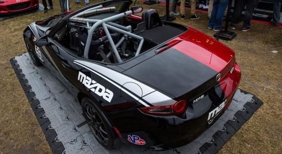 Mazda-Mx-Miata-Halfie-3