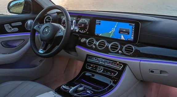 Mercedes-E-klase-All-Terrain-Prototyp-4
