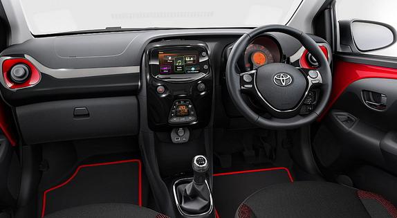 Toyota-Aygo-X-cite-2
