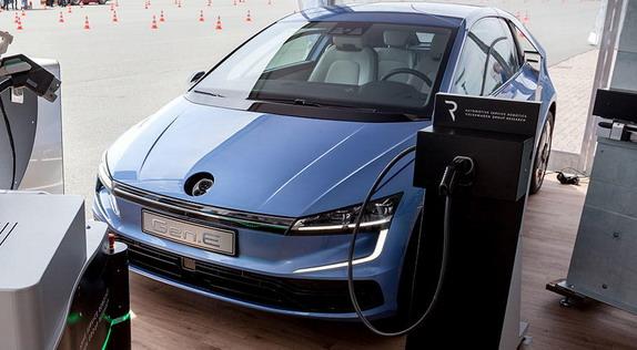 Volkswagen-Gen.E-Concept-2