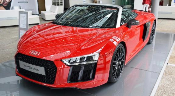 Audi-R8-Spyder-V10-1